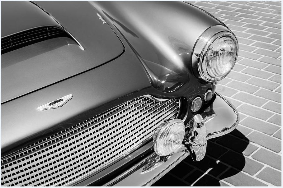 Aston Martin DB4 grille