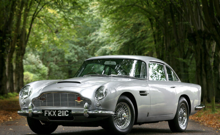 5 Reasons I Prefer A Classic Aston Martin