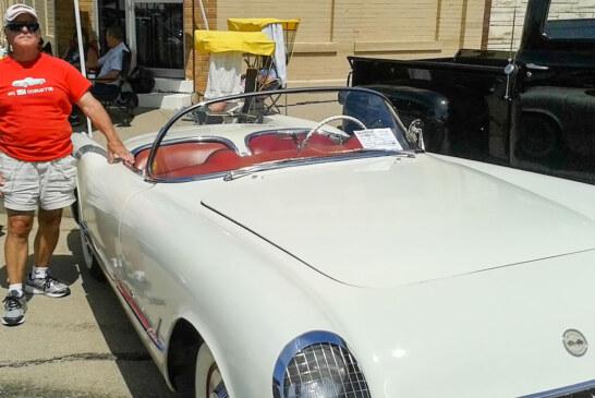 Don Kubik's 1954 Chevrolet Corvette